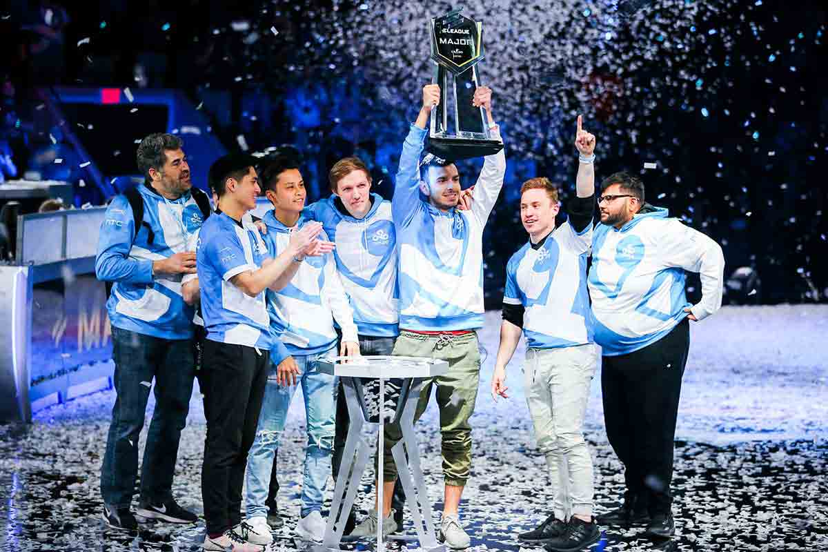 Cloud9 celebrating after they defeated Faze Clan 2-1 in ELeague Major: Boston finals.